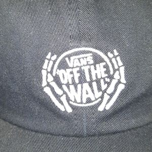 """New Vans """"OFF THE WALL"""" strap back"""